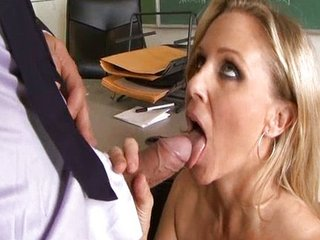 Cougar high 2 sc3 - Julia Ann