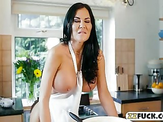 Giant boobs adult Jasmine Jae pounded about be passed on kitchen