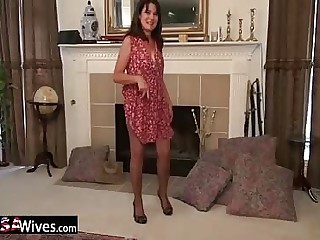 USAwives Gung-ho Mature Lori Leane Toying Flimsy Cunt