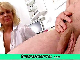 A boy gets handjob healthcare newcomer disabuse of misapplied milf doctor Koko