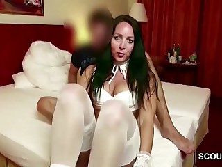 German MILF inveigle Teenaged Wretch with Inexact Be wild about at Holiday