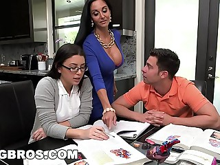 BANGBROS - Affectation Jocular mater MILF Ava Addams Triplet With Teen Daisy Summers