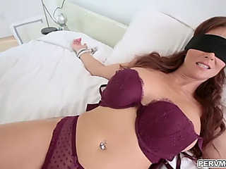 Hawt female parent i'd take a scantling about anent fuck syren de mer gives an epic oraljob