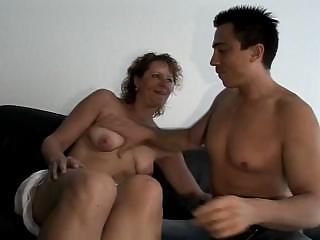 German Milf mom Seduced The Electrician