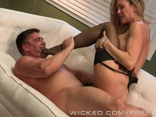 Neglected - Erotic milf Brandi A torch for takes heavy load
